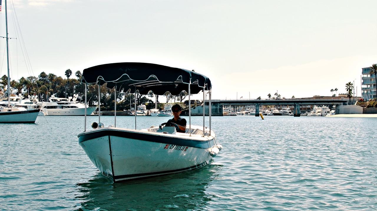 Electric Boats Elegant Silent Simple Newport Fun Tours